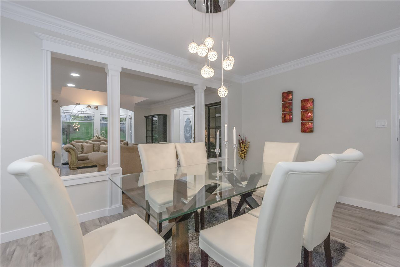 Photo 3: Photos: 207 MONTROYAL BOULEVARD in North Vancouver: Upper Lonsdale House for sale