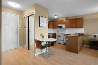"""Photo 5: PH5 3089 OAK Street in Vancouver: Fairview VW Condo for sale in """"The Oaks"""" (Vancouver West)  : MLS®# R2624819"""