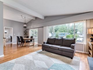 """Photo 6: 19680 116B Avenue in Pitt Meadows: South Meadows House for sale in """"Wildwood Park"""" : MLS®# R2622346"""