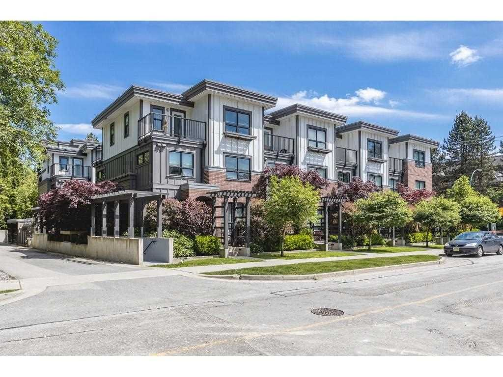 """Main Photo: 2 3508 MT SEYMOUR Parkway in North Vancouver: Northlands Townhouse for sale in """"Parkgate"""" : MLS®# R2589973"""