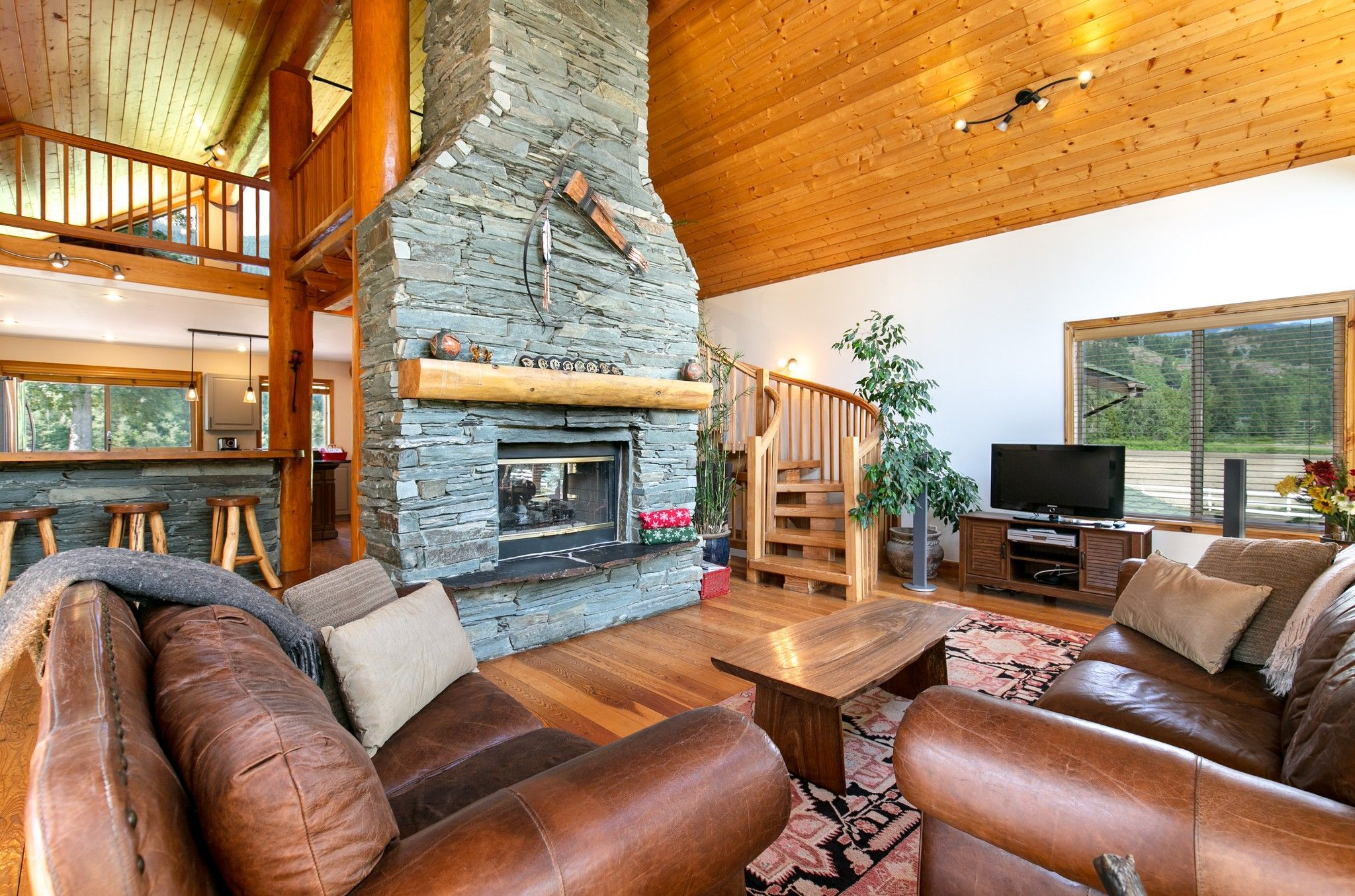 Photo 14: Photos: 1527 Fraser Road in Pembertin: House for sale