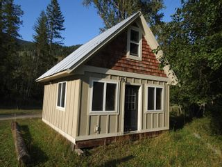 Photo 3: 1519 6 Highway, in Lumby: House for sale : MLS®# 10235298
