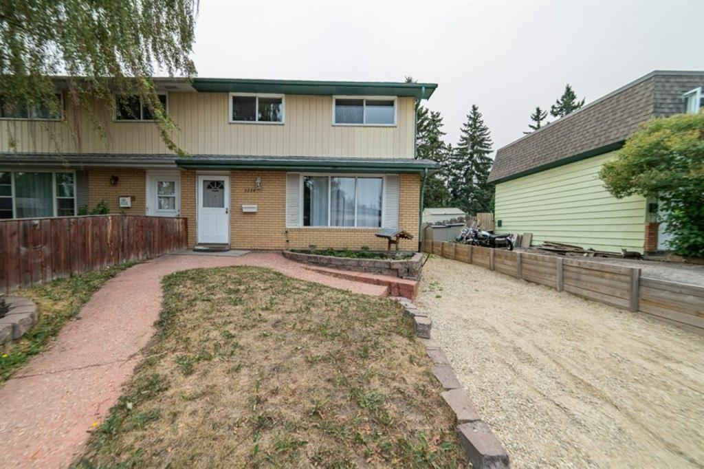 Main Photo: 3224 Dover Crescent SE in Calgary: Dover Semi Detached for sale : MLS®# A1138745