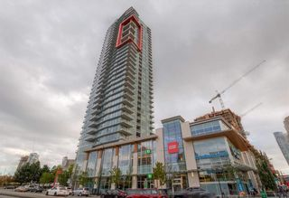 """Photo 1: 1002 4688 KINGSWAY in Burnaby: Metrotown Condo for sale in """"STATION SQUARE I"""" (Burnaby South)  : MLS®# R2449653"""