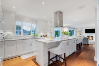 Photo 1: 848 E 17TH Street in North Vancouver: Boulevard House for sale : MLS®# R2622756