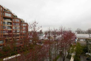 """Photo 17: 401 2288 PINE Street in Vancouver: Fairview VW Condo for sale in """"The Fairview"""" (Vancouver West)  : MLS®# R2251724"""