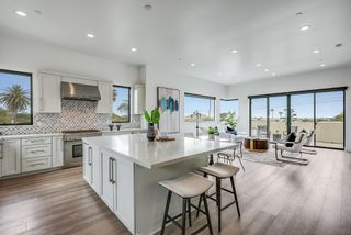 Photo 2: PACIFIC BEACH House for sale : 4 bedrooms : 4056 Haines St in San Diego