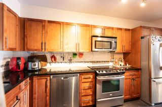 Photo 3: 204 568 ROCHESTER Avenue in Coquitlam: Coquitlam West Townhouse for sale : MLS®# R2562593