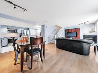 "Photo 3: 933 HOMER Street in Vancouver: Yaletown Townhouse for sale in ""THE PINNACLE"" (Vancouver West)  : MLS®# R2562224"