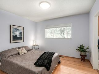 Photo 11: 12370 SEACREST Drive: Crescent Bch Ocean Pk. Home for sale ()  : MLS®# F1433450