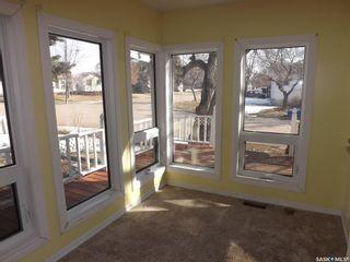 Photo 5: 802 Henry Street in Estevan: Residential for sale : MLS®# SK803393