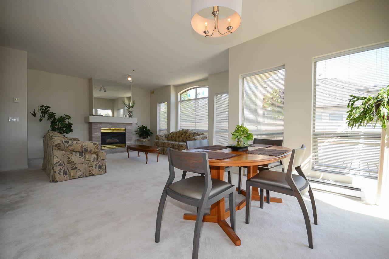 """Photo 2: Photos: 302S 1100 56 Street in Delta: Tsawwassen East Condo for sale in """"ROYAL OAKS"""" (Tsawwassen)  : MLS®# R2093425"""
