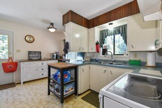 """Photo 8: 3293 BEVERLEY Crescent in Abbotsford: Abbotsford East House for sale in """"Ten Oaks"""" : MLS®# R2596696"""