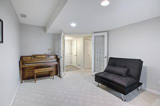 Photo 24: 11 Sierra Morena Landing SW in Calgary: Signal Hill Semi Detached for sale : MLS®# A1116826
