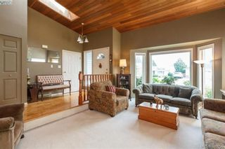 Photo 5: 4164 Beckwith Pl in VICTORIA: SE Lake Hill House for sale (Saanich East)  : MLS®# 797392
