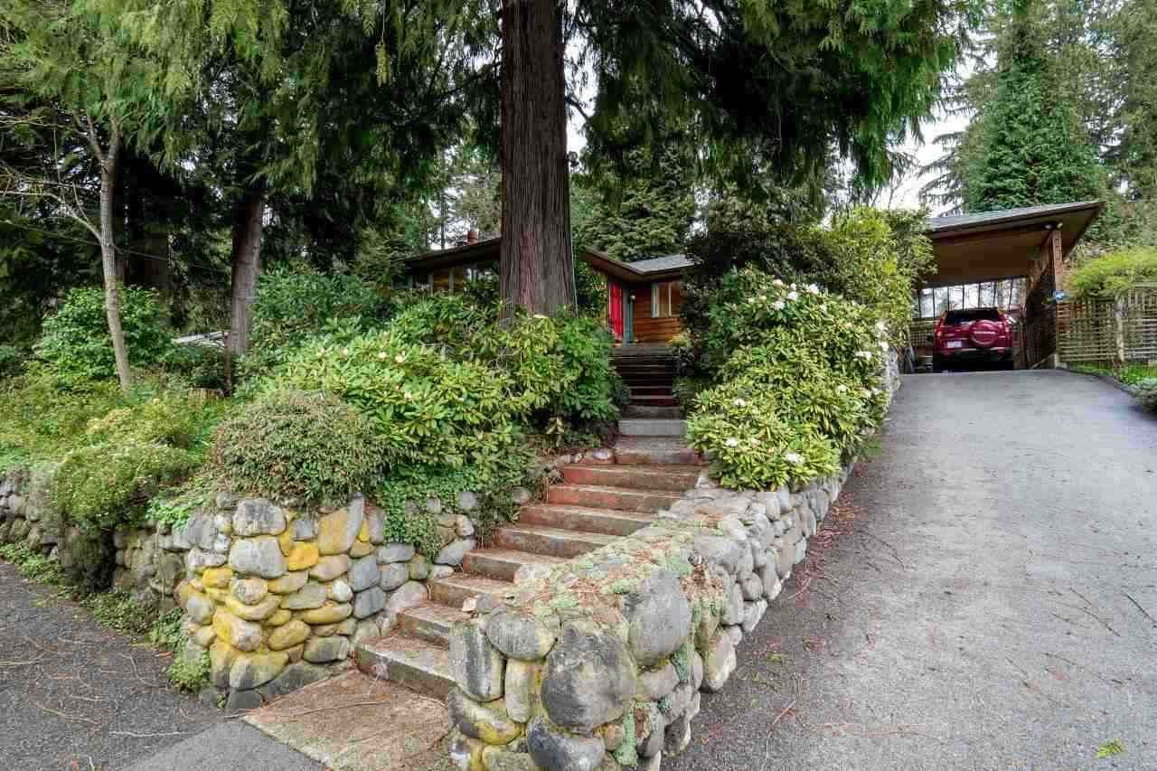 Photo 16: Photos: 3322 WAYNE Drive in North Vancouver: Delbrook House for sale : MLS®# R2045446