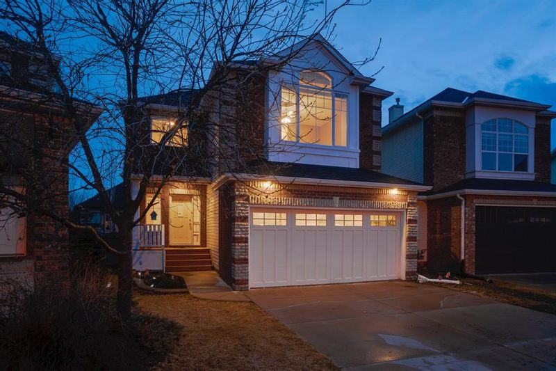 FEATURED LISTING: 31 Discovery Ridge Mews Southwest Calgary