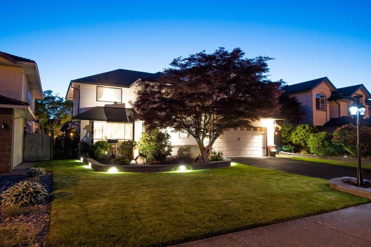 """Main Photo: 1693 SPYGLASS Crescent in Delta: Cliff Drive House for sale in """"IMPERIAL VILLAGE"""" (Tsawwassen)  : MLS®# R2588936"""