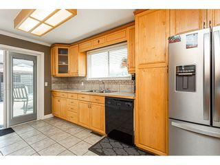 """Photo 10: 19659 36 Avenue in Langley: Brookswood Langley House for sale in """"Brookswood"""" : MLS®# R2496777"""
