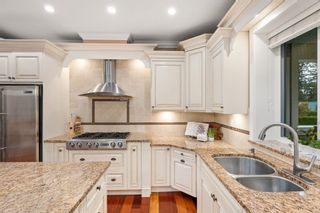 """Photo 8: 23107 80 Avenue in Langley: Fort Langley House for sale in """"Forest Knolls"""" : MLS®# R2623785"""