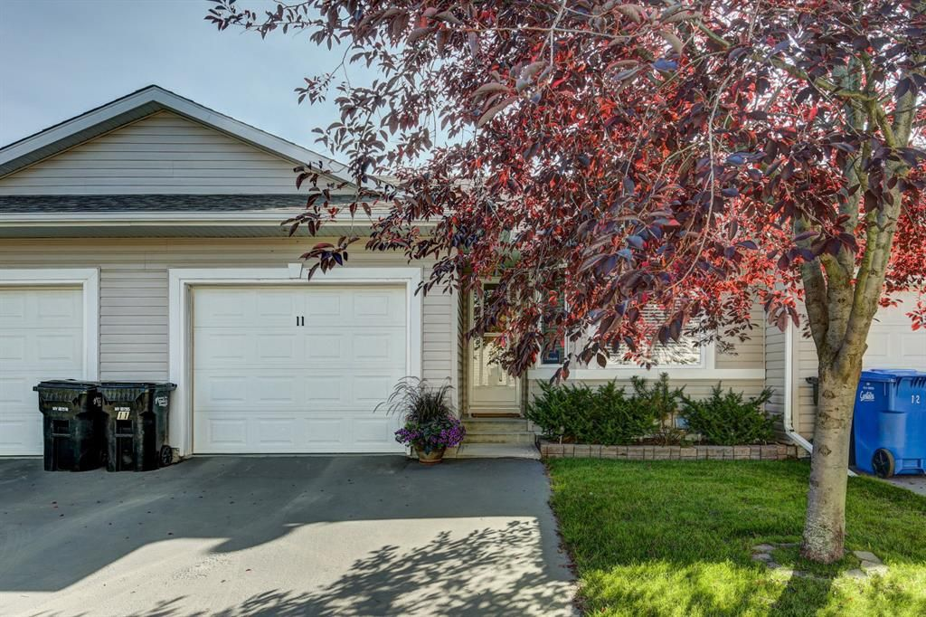 Main Photo: 11 16 Champion Road: Carstairs Row/Townhouse for sale : MLS®# A1031112