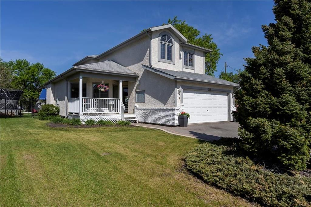 Main Photo: 10 Civic Street in Winnipeg: Charleswood Residential for sale (1G)  : MLS®# 202012522