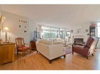 """Photo 4: 104 15111 RUSSELL Avenue: White Rock Condo for sale in """"Pacific Terrace"""" (South Surrey White Rock)  : MLS®# F1411286"""