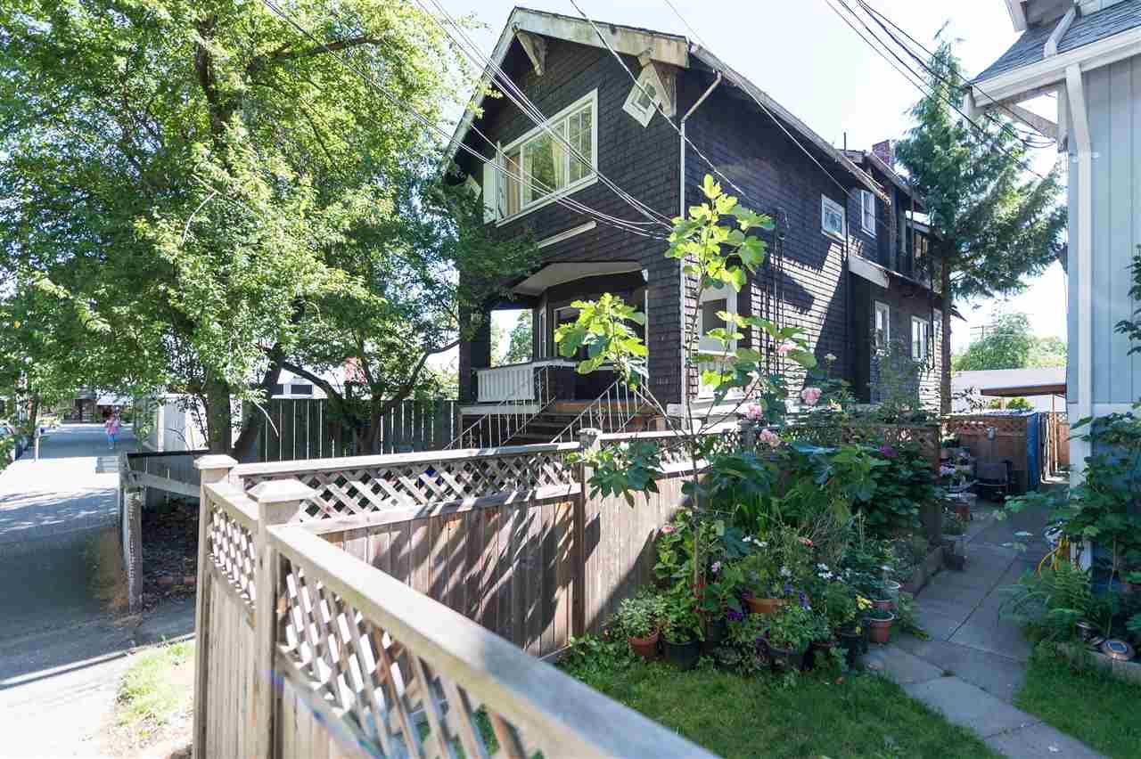 Main Photo: 2528 MACKENZIE Street in Vancouver: Kitsilano House for sale (Vancouver West)  : MLS®# R2082726