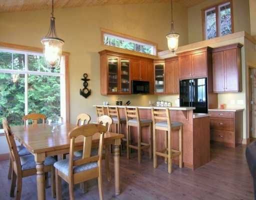 """Photo 3: Photos: 1508 TIDEVIEW Road in Gibsons: Gibsons & Area House for sale in """"LANGDALE"""" (Sunshine Coast)  : MLS®# V621776"""