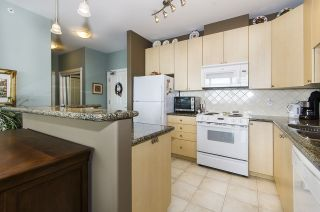 """Photo 4: 1005 160 E 13TH Street in North Vancouver: Central Lonsdale Condo for sale in """"The Grande"""" : MLS®# R2266031"""