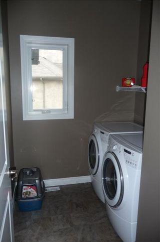 Photo 15: 372 Oak Forest CR in Winnipeg: Westwood / Crestview Residential for sale (West Winnipeg)  : MLS®# 1005142