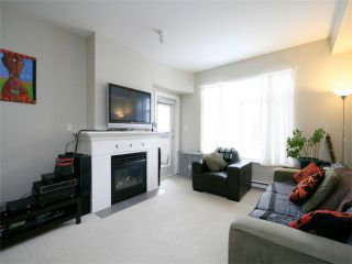 Photo 3: 205 2330 WILSON Avenue in Port Coquitlam: Central Pt Coquitlam Condo for sale : MLS®# V1061909