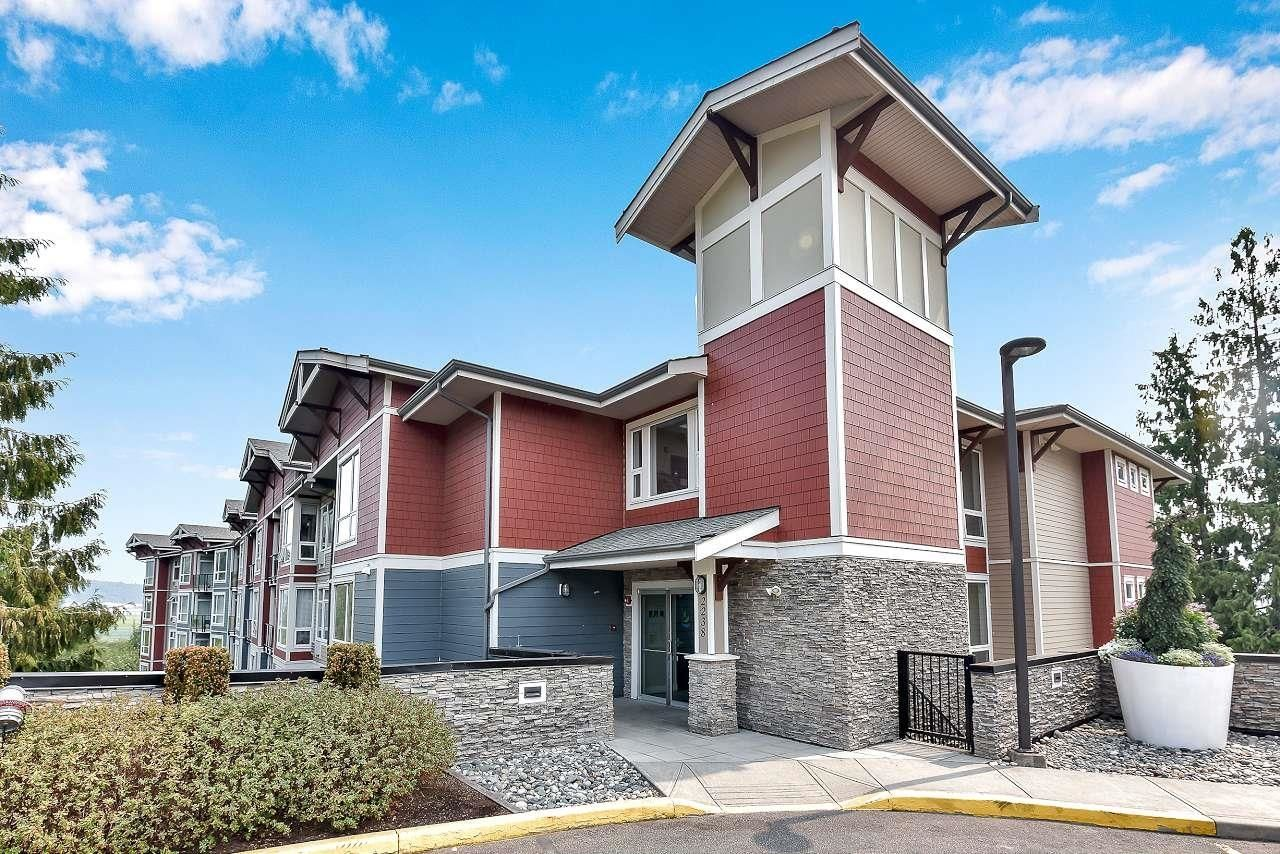 """Main Photo: 105 2238 WHATCOM Road in Abbotsford: Abbotsford East Condo for sale in """"Waterleaf"""" : MLS®# R2610127"""