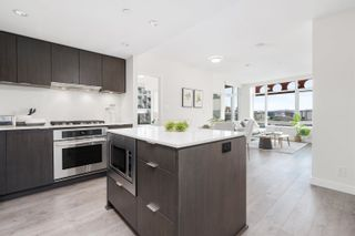 """Photo 10: 1102 111 E 1ST Avenue in Vancouver: Mount Pleasant VE Condo for sale in """"BLOCK 100"""" (Vancouver East)  : MLS®# R2617874"""