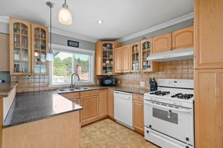 """Photo 3: 3539 COPLEY Street in Vancouver: Grandview Woodland House for sale in """"Trout Lake - Grandview Woodland"""" (Vancouver East)  : MLS®# R2600796"""