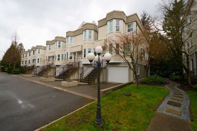 """Main Photo: 20 10340 156 Street in Surrey: Guildford Townhouse for sale in """"KINGSBROOK"""" (North Surrey)  : MLS®# R2262664"""