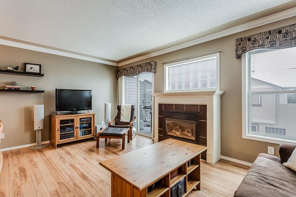 Photo 12: Photos: 137 MILLVIEW Square SW in Calgary: Millrise House for sale : MLS®# C4145951