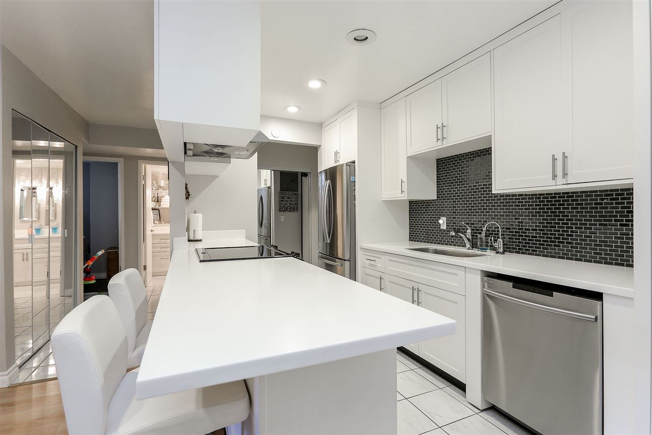 """Photo 7: Photos: 103 1484 CHARLES Street in Vancouver: Grandview VE Condo for sale in """"LANDMARK ARMS"""" (Vancouver East)  : MLS®# R2013401"""