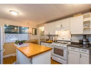 """Photo 10: 280 1840 160 Street in Surrey: King George Corridor Manufactured Home for sale in """"BREAKAWAY BAYS"""" (South Surrey White Rock)  : MLS®# R2517093"""