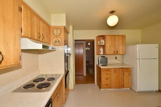 Photo 17: 27 Braden Crescent NW in Calgary: Brentwood House for sale : MLS®# C4191763