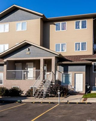 Photo 2: 9 1507 19th Street West in Saskatoon: Pleasant Hill Residential for sale : MLS®# SK826833