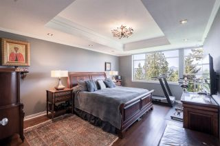 """Photo 26: 8561 SEASCAPE Lane in West Vancouver: Howe Sound Townhouse for sale in """"Seascapes"""" : MLS®# R2533787"""
