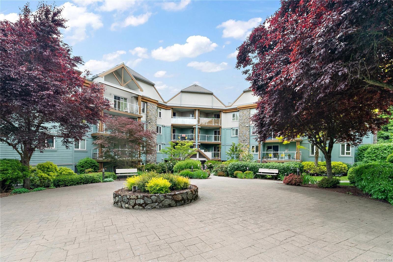 Main Photo: 107 494 Marsett Pl in : SW Royal Oak Condo for sale (Saanich West)  : MLS®# 877144