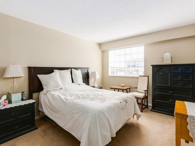 """Photo 9: Photos: 203 15010 ROPER Avenue: White Rock Condo for sale in """"Baycrest"""" (South Surrey White Rock)  : MLS®# F1417713"""