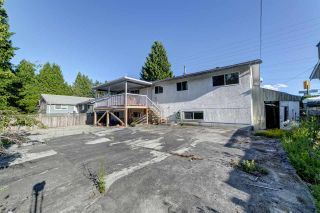 Photo 25: 1903 COMO LAKE Avenue in Coquitlam: Harbour Place House for sale : MLS®# R2463988