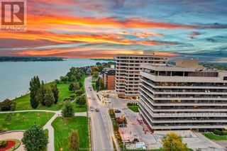 Photo 3: 5125 RIVERSIDE DRIVE East Unit# 200 in Windsor: Condo for sale : MLS®# 21020158