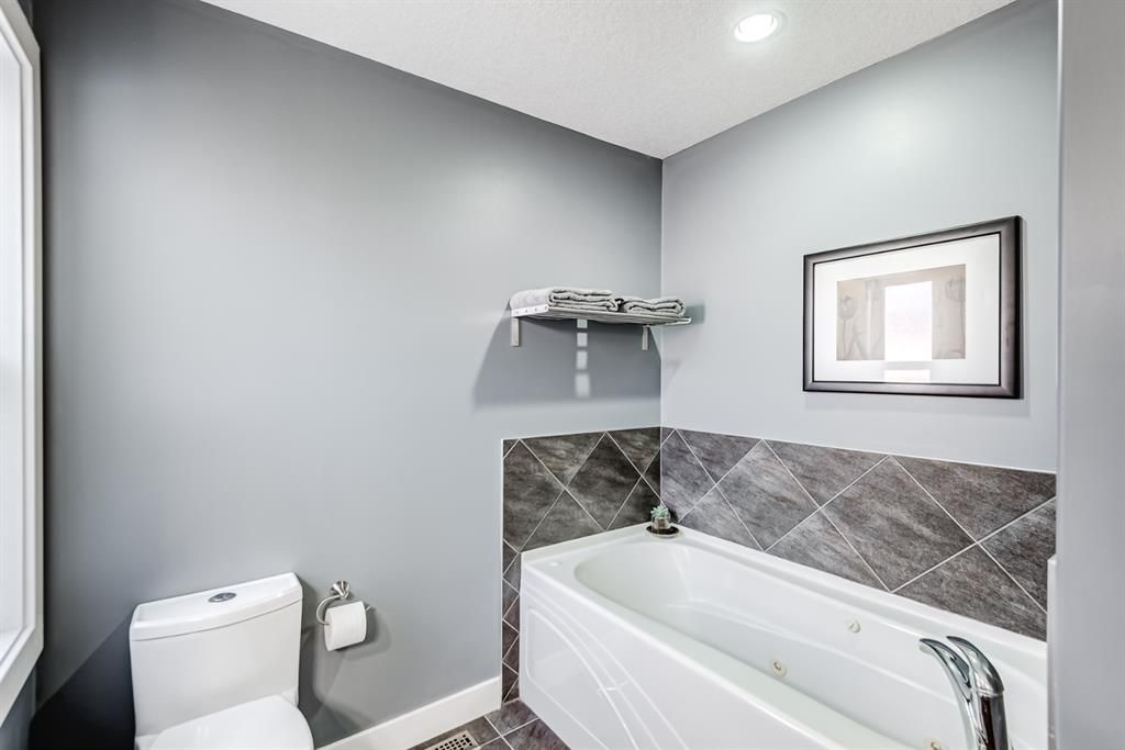 Photo 15: Photos: 503 17 Avenue NW in Calgary: Mount Pleasant Semi Detached for sale : MLS®# A1122825