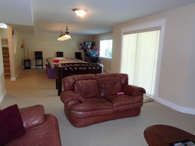 """Photo 17: Photos: 16289 61A Avenue in Surrey: Cloverdale BC House for sale in """"ESTATE AT VISTA WEST"""" (Cloverdale)  : MLS®# F1404809"""