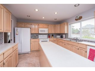 """Photo 8: 6248 190 Street in Surrey: Cloverdale BC House for sale in """"Cloverdale"""" (Cloverdale)  : MLS®# R2070810"""