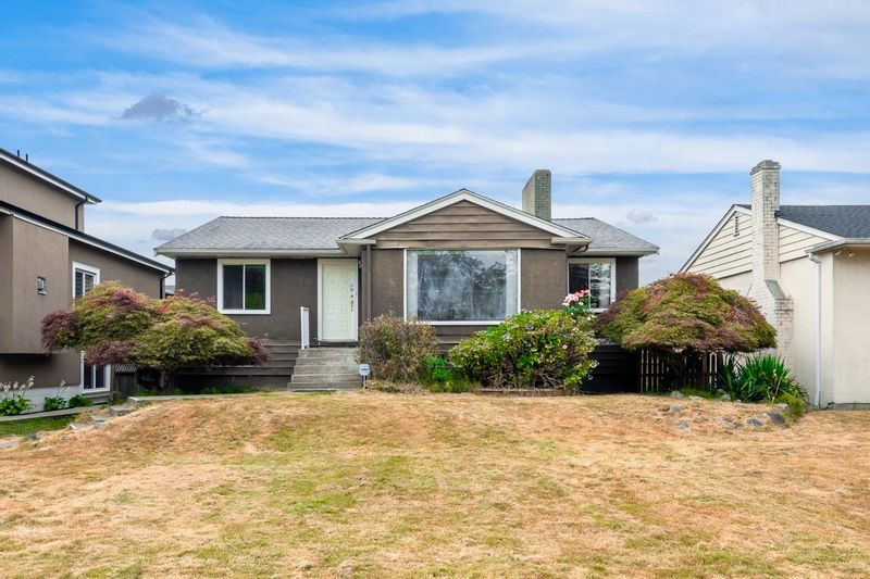 FEATURED LISTING: 2557 KING EDWARD Avenue West Vancouver
